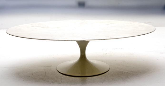BOGEN33  Tisch  LoungeTisch  Couchtisch Eero Saarinen