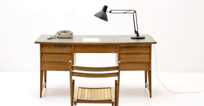 Schreibtisch aus kirschholz der 60er jahre 4673 div for Schreibtisch kirschholz