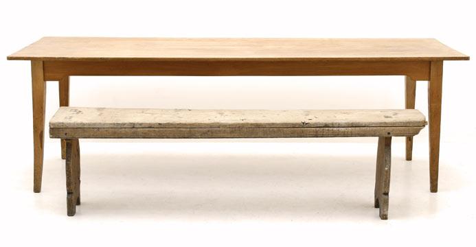 Holztisch nr 2329 langer breiter beizentisch wird in einem for Langer holztisch