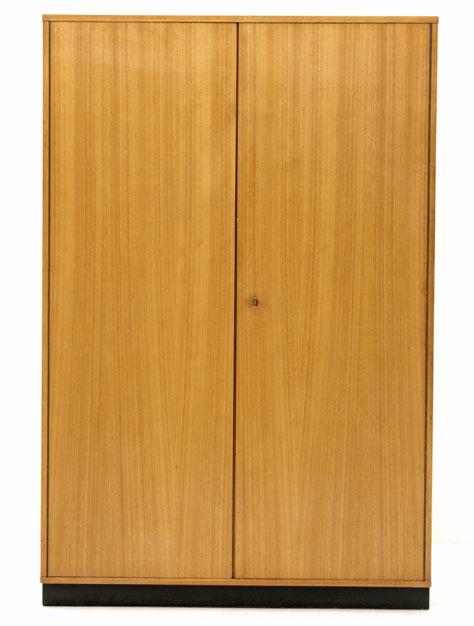 bogen33 schrank div schr nke holzschrank 2990. Black Bedroom Furniture Sets. Home Design Ideas