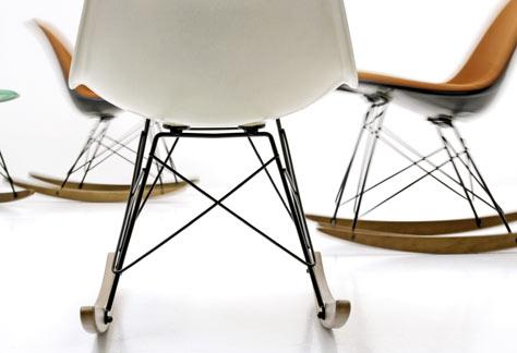 Eames Sidechair mit Rocker Base