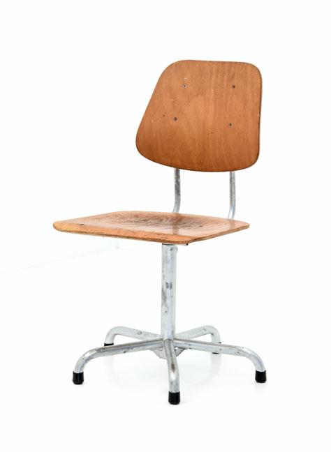 stuhl klassiker synoun stuhl design klassiker stapelbar im er set schwarz amazonde kche u. Black Bedroom Furniture Sets. Home Design Ideas