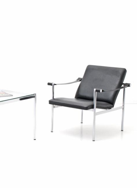 Sessel; Hommage an Corbusier`s LC1 - 1