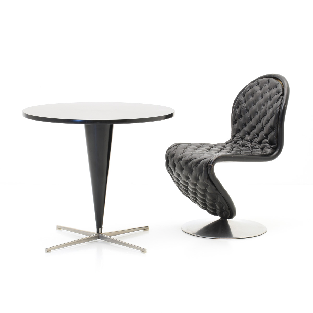 Verner Panton Set, 123 Chair und Cone Table